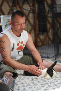Photo credit: Molly Wald http://bestfriends.org/News-And-Features/News/Reiki-for-animals/
